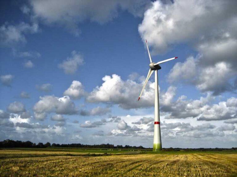 Проблема окупаемости ветрогенератора: размеры, установка, специфика эксплуатации и рациональное использование ветряка