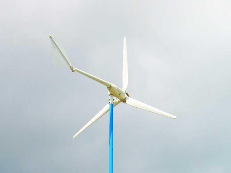 Возможности ветрогенератора без аккумуляторов: использование ветряка или солнечной энергии на практике