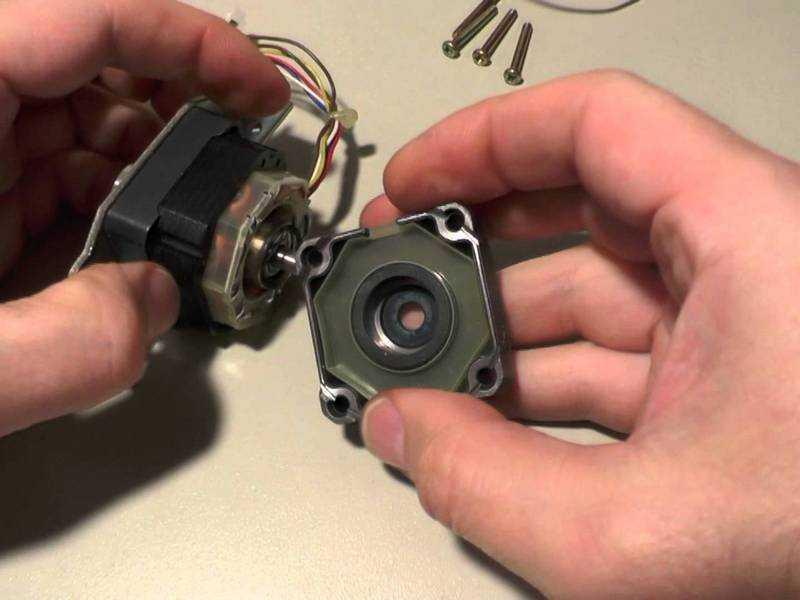 Маломощный ветрогенератор из шагового двигателя: самодельное устройство из принтера
