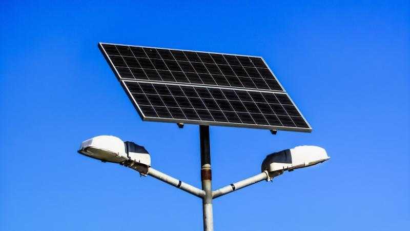 Светильники на солнечных батареях, фото